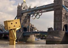 10.08.2012 - Danbo in London (Jlhopgood) Tags: london towerbridge 365 olympics danbo olympicrings 366 2012inphotos