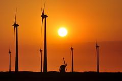 Energetic days (powerfocusfotografie) Tags: sunset netherlands landscape wind silhouettes windmills electricity groningen henk turbines windturbines turbinaseólicas windenergie eemshaven aeolus nikond90 energyvalley powerfocusfotografie