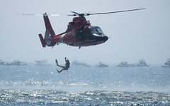 Coast Guard Rescue Demo (pheαnix) Tags: coastguard rescue newjersey airshow helicopter atlanticcity a77 sal70400g sony70400mm thunderontheboardwalk