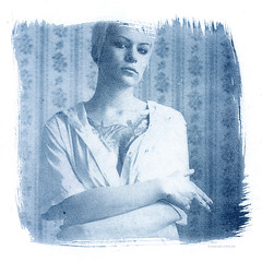 dont miss my interview and the spuersinn event in braunschweig on saturday (pixelwelten) Tags: portrait art analog vintage mediumformat print kunst hamburg vanity sensual nah analogue delicate intimate cyanotype altprocess mittelformat cyano cyanotypie alternativeprintingprocess altproc nachhaltig pixelwelten rdigerbeckmann edeldruck beyondvanity jenseitsvoneitelkeit rdiger beckmannbeyond
