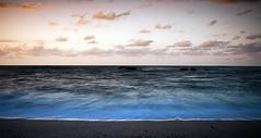 Estao al atardecer (Angel Alonso canon) Tags: sky espaa naturaleza sol beach water clouds canon atardecer eos spain sand agua cloudy asturias playa nubes gijon providencia nuboso 400d flickraward
