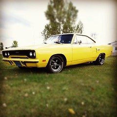 Sweet Plymouth GTX (Snapshots by Nixy J Morales) Tags: classic square cool plymouth retro squareformat automatic 1970 70 coupe hefe v8 gtx smallblock 2dr ucode slushbox iphoneography instagramapp uploaded:by=instagram