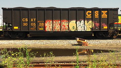 HUNT & AEST (BLACK VOMIT) Tags: 2 car train graffiti ol virginia south dirty richmond mc dos va mayhem freight hunt ssp wh csx aest coall aest2 coalie