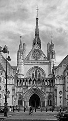366 - Image 210 - Royal Courts of Justice... (Gary Neville) Tags: 365 365images 366 366images photoaday 2016 sonycybershotrx100 sony sonycybershotrx100iii rx100 mk3 garyneville