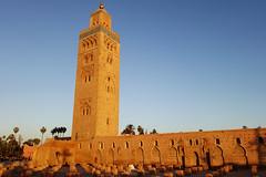 Sunset at Koutoubia Mosque (Cagsawa) Tags: koutoubia mosque koutoubiamosque kotoubia koutubia islam islamicart muslim islamic marrakech marrakesh morocco moroccan africa sunset minaret tower worship rx100 djemaelfna jemaaelfnaa jemaaelfna