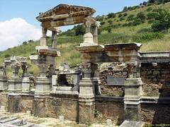 Ephesus_15_05_2008_46 (Juergen__S) Tags: ephesus turkey history alexanderthegreat paulua celcius library romans outdoor antiquity
