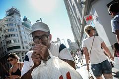 Gran Va de Madrid (Teresa Surez) Tags: madrid street city summer man color digital photography photo spain nikon smoke tourist via teresa gran hm avenue suarez d7100