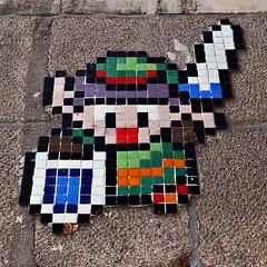4 - Nantes, Place du Bouffay, Street art (melina1965) Tags: pays de loire loireatlantique nantes juillet july 2016 nikon d80 macro macros multicoloured multicolore colorful faade faades street art