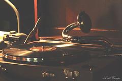 Un clsico (A. del Campo) Tags: nikon nikkor nikond7000 tocadiscos msica music vintage sound sonido clsico