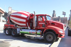 Ozinga (122) (RyanP77) Tags: ozinga ready mix concrete truck kenworth mack mixer barrel stripes kw chicago trucks mixers cement industrial red