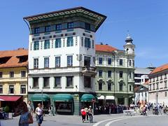 Ljubljana, Slovenia - Preeren Square (johnnysenough) Tags: 40 ljubljana preerensquare republikaslovenija slovenia slovenije slovnie eslovenia slowenien europe eu capitalcity historicbuildings 100citiesx1trip travel snv34790 johnnysenoughhepburn
