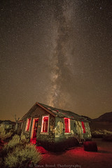 that 395 house D75_6841 (steve bond Photog) Tags: that395house 395house monolakehouse leevininghouse milkyway california californialandscape nightscape stars oldhouse