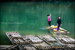 Dynamic Duo.  Ban Gioc (Claire Pismont) Tags: asia asie viajar voyage vietnam duo couple banana water travel travelphotography travelshot documentory woman women pismont clairepismont