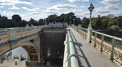 Footbridge (Barry C. Austin) Tags: richmondlock riverthames