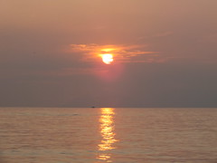 Sperlonga sunset (E Pulejo) Tags: sunset sea sun reflection horizon falling sperlonga