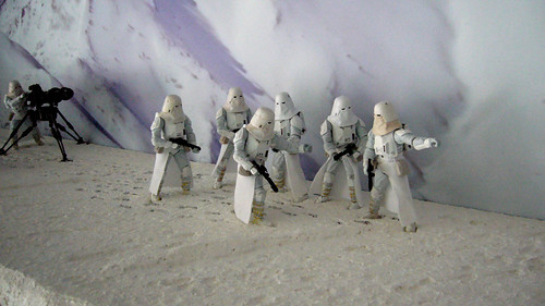 """Battle of Hoth diorama - imperial troopers in snow preparing for attack • <a style=""""font-size:0.8em;"""" href=""""http://www.flickr.com/photos/86825788@N06/7949259056/"""" target=""""_blank"""">View on Flickr</a>"""