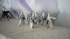 "Battle of Hoth diorama - imperial troopers in snow preparing for attack • <a style=""font-size:0.8em;"" href=""http://www.flickr.com/photos/86825788@N06/7949259056/"" target=""_blank"">View on Flickr</a>"