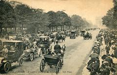 Paris - Avenue du Bois de Boulogne (Old Postcard) (roger4336) Tags: paris france car carriage postcard eiffeltower avenue arcdetriomphe archoftriumph boisdeboulogne oldpostcard foch