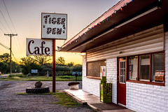 alice doesn't eat here anymore (bugeyed_G) Tags: sunset arizona signs rural america restaurant cafe nikon americana roadside 45mm stdavid tiltshift pce tigerden bugeyedg