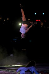 Cirque - Crpuscule - Ravivez les braises - Ville de Qubec - FlipFabrique (eburriel) Tags: cirque crpuscule flipfabrique 2016 agora qubec circus gratuit show port canada art artist acrobat nikon d610 burriel normand olivier nuit night summer t images photo souvenir plaisir famille   acrobate  flip fabrique circo eburriel spectacle free pleasure light noche