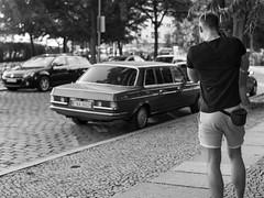 geiles Auto und Wolfgang (Christian Pulz) Tags: black white passion fotograf berlin friedrichshain street mercedes arsch bein erotik gay