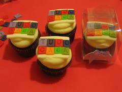 Corporativos (Confetti & Cupcakes) Tags: cake bar spider cupcakes high mini confetti evento beb bolo casamento convite festa aniversrio ch aranha marmita drika homen monter personalizados novaes gostosos decorados