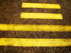 #222 - -   (flickranet) Tags: lines yellow canon painting iso200 paint linie sigma line gelb asphalt f11 18mm linien sigma18200mm 1125s canon60d sigma18200mmf3563dcos canoneos60d flickranet