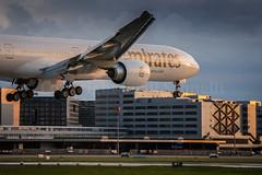 Emirates (Cirill Schnelli) Tags: sunset schweiz nikon swiss zurich landing emirates boeing zürich d800 kloten b777 landebahn runnway spottingairportzürichflughafenswiss hubschrauberswissjetzürichswisssunsunsetschweizswitzerlandzrhlszhdockbaairsidecentercentera330newliverydunstfrühlingmärz
