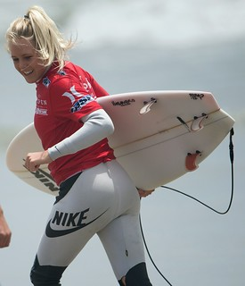 Pro Surf Girl Laura Enever!  Surf Girls! Nikon D4 Photos of Pro Women's Surfers with 600mm Nikkor Prime!