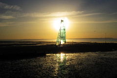 England: Whitstable (ovofrito) Tags: ocean uk sunset england sky beach clouds canon coast kent wind gb whitstable