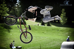 Tail Whip on the quarter (Kevin Vyse Photography) Tags: show ontario canada sport flying insane high bmx freestyle audience air extreme bikes tricks skatepark woodstock stunt skill quarterpipe tailwhip boardpark crazecrew kvphotography xtremem kevinvyse