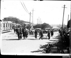 Crowds at Vaucluse in Sydney possibly for the US Navy visit, 23 July 1925