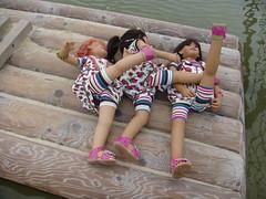 Wer turnt denn hier (Kindergartenkinder) Tags: wasser dolls sommer kindra setina annettehimstedt kindergartenkinder himstedtkinder sanrike naturbadolfen