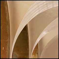 arch (foto.phrend) Tags: abstract portugal square faro arches 500d