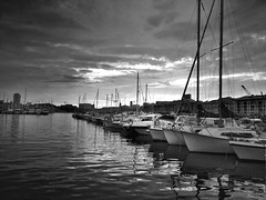 Le calme apres la tempete (Icker_Malabares) Tags: blackandwhite france monochrome port marseille harbour porto francia vieuxport marsiglia vincenzopisani