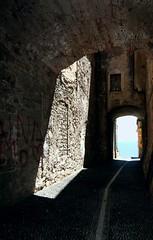 Cercando il lato bello delle cose (meghimeg) Tags: light sea sky alley mare stones pietre cielo vicolo luce 2012 imperia portomaurizio