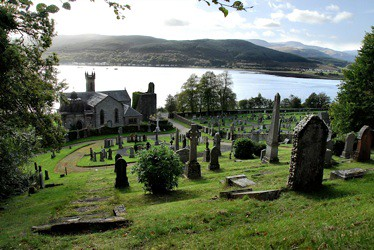 Kilmun church - St Muns David Kelly Creative Commons
