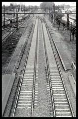 Unparallel lines (I'm Aquarius) Tags: new film 35mm canon 50mm photo kodak f1 x 400 asa tri