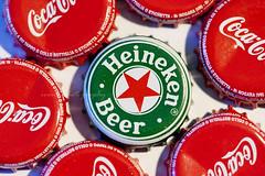 Colori (Ivana Barrili) Tags: red verde green rot heineken cocacola rosso birra coca bottiglia tappo tappi