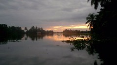A Kuttanadan sunset (petunicorn) Tags: sunset sky landscape houseboat n8 freshwater alleppey alappuzha