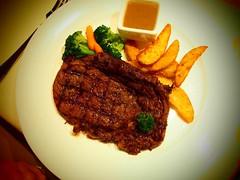 Rib-eye Steak เนื้อออสเตรเลีย ร้านโฮลลี่คาว อารีย์2