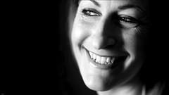 Svenja... (lichtflow.de) Tags: portrait bw smile face canon wow eyes lowlight gesicht portrt ef50mmf14 sw augen blitz kontrast lcheln kunstlicht festbrennweite speedbox eos5dmarkiii