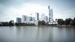 Frankfurt heit Gegensatz (Martin Schmidt (www.schmaidt.de)) Tags: 6deos6dcanonvollformateosvollformat architektur bank canoneos6d cityscape deutschland europa fineart fluss frankfurt germanbank germany hessen himmel hochhaus hochhuser landschaft langzeitbelichtung licht lichtundzeit main martin martinschmidt menschen reflektion reise reisefotografie schmidt sky skyper skyperhochhaus skyscraper travel travelphotography wasser wolke wolken wolkenkratzer zeit architecture bluehour clouds cloudy landscape light lightandtime long longexposure longtimeexposure reflection reflectionwater schmaidt schmaidtde time water wolkig