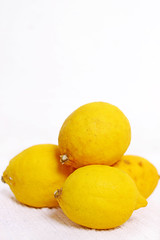Zitronen (wuestenigel) Tags: citrus fruits drink sour lemonade food healthy lemons