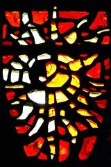 9 - Rambouillet, glise Saint-Lubin-et-Saint-Jean-Baptiste, Vitraux de Gabriel Loire - Les six Dons de l'Esprit - La Force - Dtail (melina1965) Tags: aot august 2016 ledefrance yvelines nikon d80 rambouillet glise glises church churches vitrail vitraux stainedglasswindow stainedglasswindows macro macros