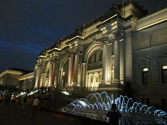Metropolitan Museum of Art Night Fountains 5044 (Brechtbug) Tags: metropolitan museum art lobby exterior facade front entrance stairs outside building new york city summer 09102016 nyc cityscape east skyline urban afternoon july 2016 arts gallery buildings sculpture architecture statue crowd crowds met museums manhattan uptown 5th ave fifth avenue arch arches nite night time evening fountain fountains