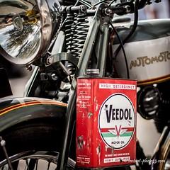 #Automoto #old #French #motorbike #Veedol #2Time #oil #rassemblement #vhicules #Base_sous_Marine #Bordeaux (instant-photo33) Tags: veedol french oil automoto old vhicules 2time rassemblement bordeaux basesousmarine motorbike