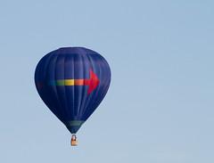 Turn Right (Mukumbura) Tags: hotairballoon flight flying floating drifting arrow blue