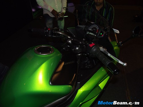 2012-Kawasaki-Ninja-650-Launch-11