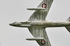 Hawker Hunter (Sébastien Locatelli) Tags: plane airplane nikon swiss aviation bleu di british hunter 70300mm tamron stephan vc berner hawker usd 2012 sankt oberland luftwaffe lenk simmental hunterfest d5000 hunterverein